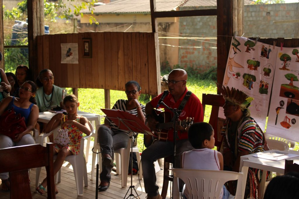 Participants in Acre, Brazil meeting on the effects of environmental/climatic policies on traditional populations.