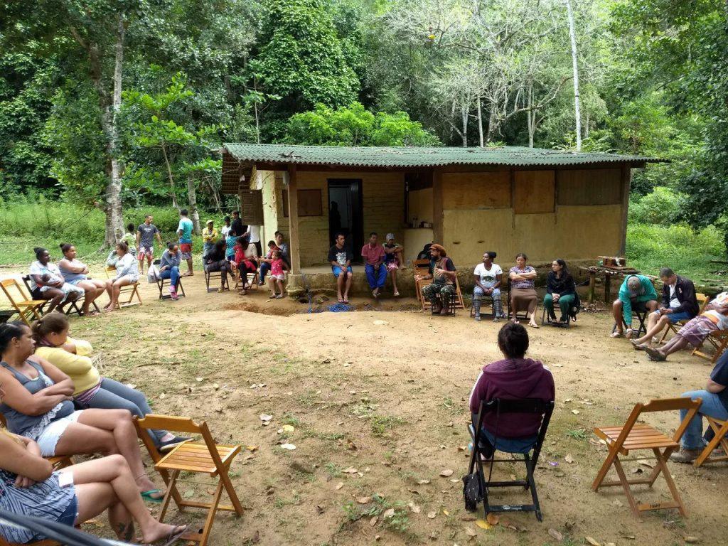Reunião realizada no quilombo para discutir a rede comunitária